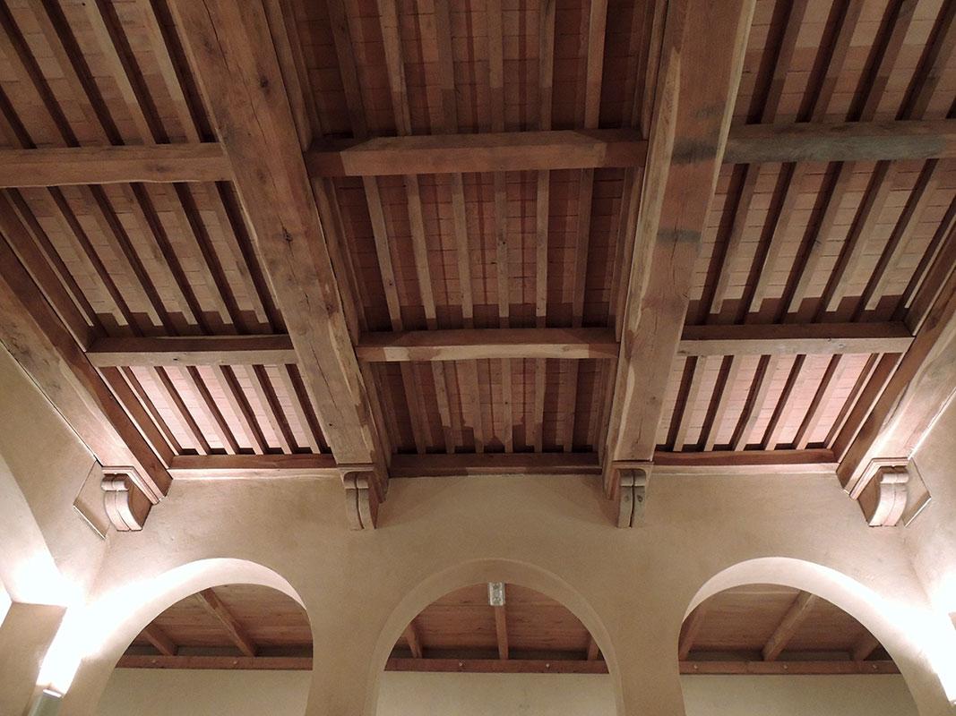 Come illuminare un soffitto in legno. top led travi legno avec casa